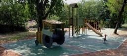 U centru Kukuljanova, u parku Gaj, uređeno je novo dječje igralište, vrijedno više od tristo tisuća kuna.